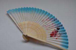 〈婦人用〉絹扇子舞妓柄 水色