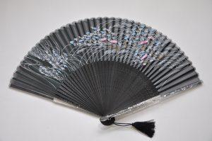 〈京扇子〉すすきあざみ / 女性用絹扇子 日本製  黒色