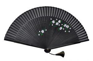 〈婦人用〉短地絹ペンテ扇子 桜柄 黒色