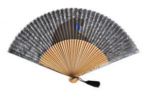 〈京扇子〉婦人用薄絹扇子 くじゃく柄 日本製 黒色