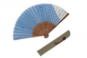 〈紳士用〉ハンカチ扇子(斜菱取り柄 青色)、扇子袋(グレー色)セット
